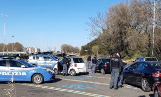 Posti di blocco della Polizia di Stato sulle vie consolari e sul Grande Raccordo Anulare