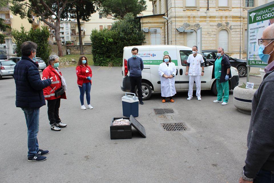 """Tarquinia, """"Semi di Pace"""" donna 200 gelati all'Ospedale"""