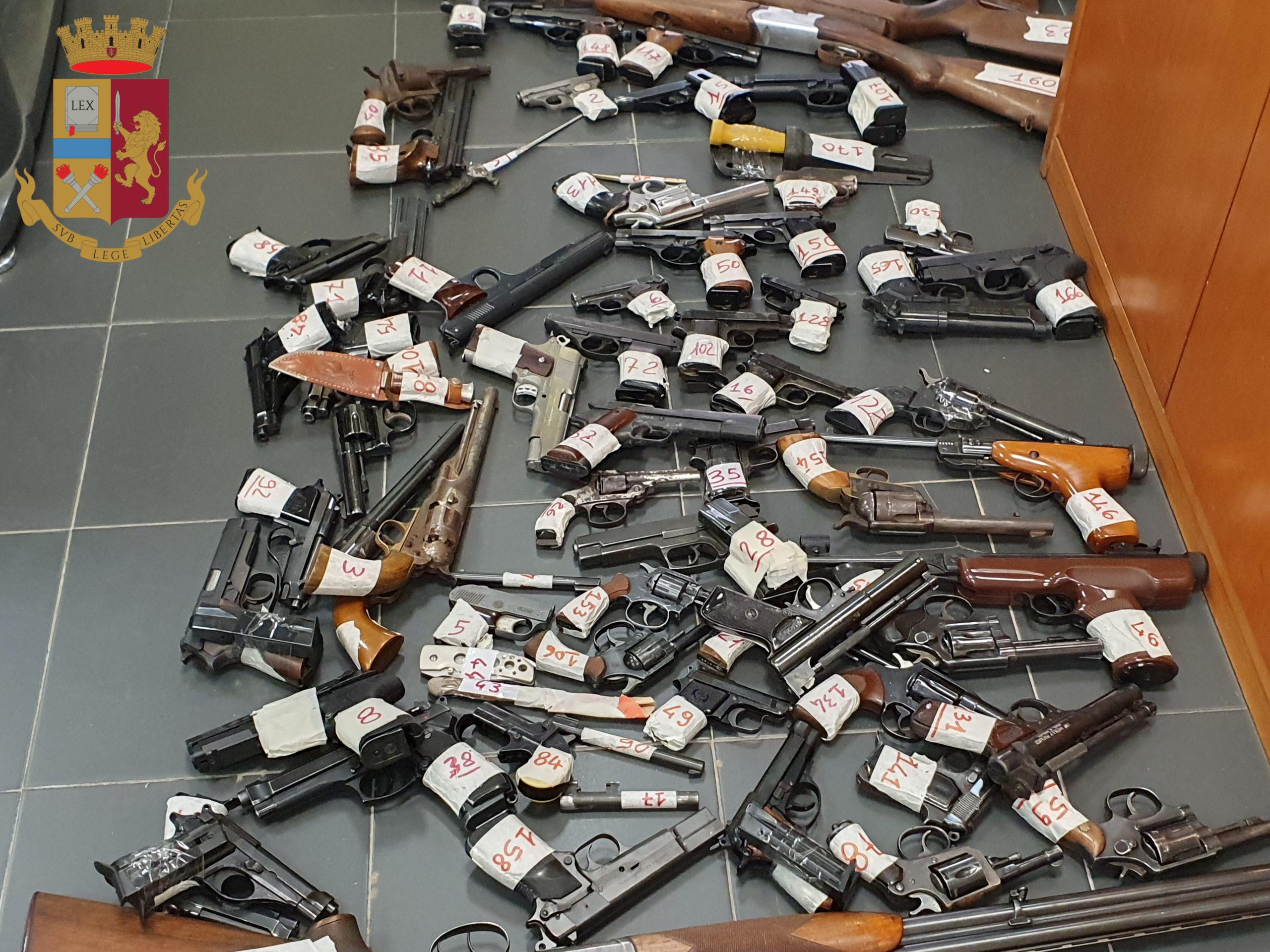 Controlli della Polizia di Stato ai tempi del COVID 19 finalizzati alla verifica dei cittadini detentori di armi a qualsiasi titolo