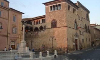 Gli Ambulanti di Forte dei Marmi domani al Lido di Tarquinia.